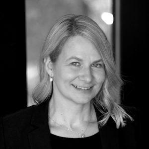 Vanessa Dennen headshot